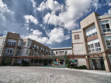 Main entrance of the Shanghai Singapore International School
